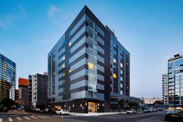 Entre as melhores avaliações de hotéis no Queens