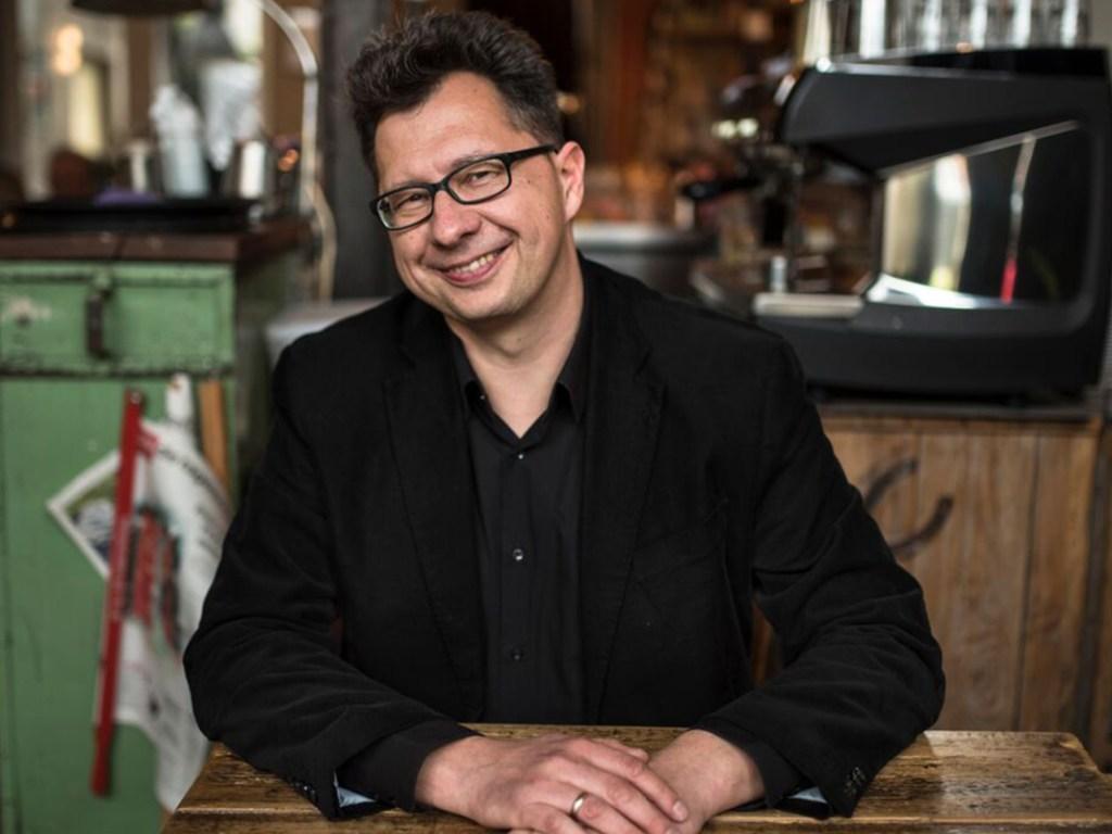 Kaffeehaussitzer-Uwe-Kalkowski-2018