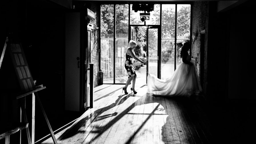 bride walking in dress reportage