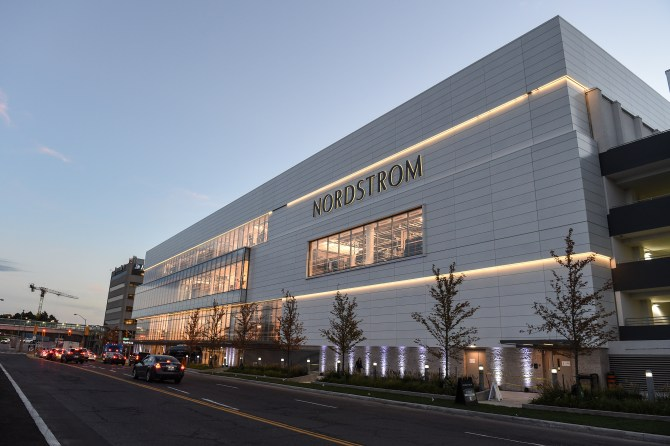 nordstrom-yorkdale-shopping-centre-store-exterior-2