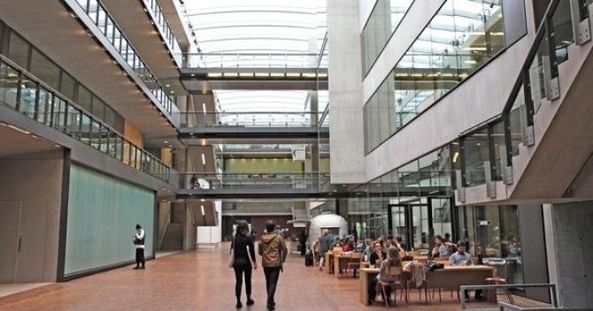 study_abroad_new_csm_campus