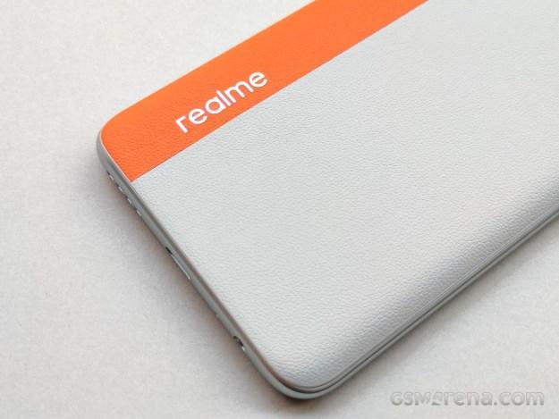 Realme 7 Pro SE Sun Kissed Leather hands-on