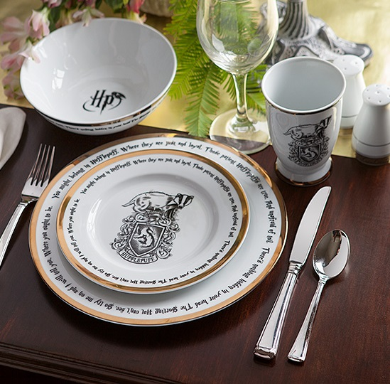 Harry Potter Hogwarts House 16 piece Dinner Set