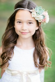 flower girl hairstyles 'll adore