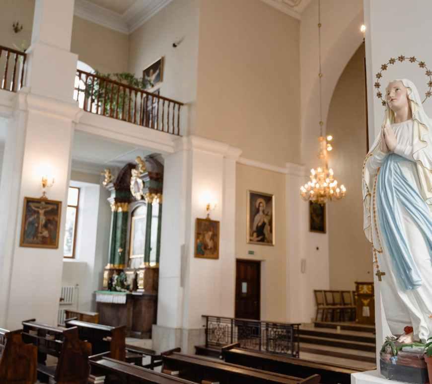 virgin mary inside catholic church
