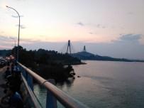 Pemandangan Jembatan Barelang Pulang dari Pantai