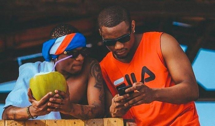 WATCH: Wizkid and DJ Tunez With The New 'Gbeku' Dance (VIDEO)