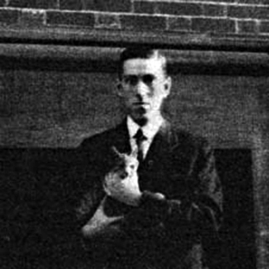 """H.P. Lovecraft con """"Felis"""", el gato de Frank Belknap Long."""