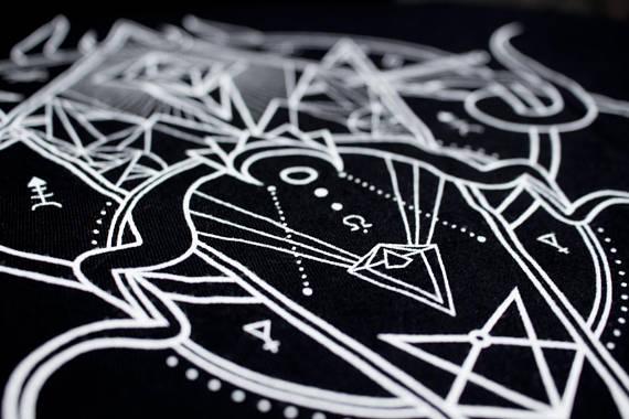 Atlas Negro Design by Alva Aur