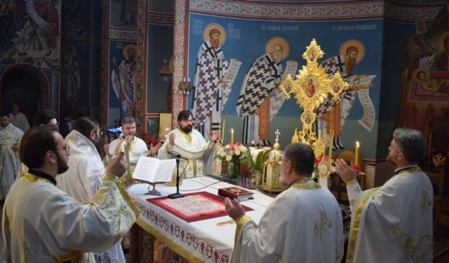Pravoslavni vernici slave Vaskrs