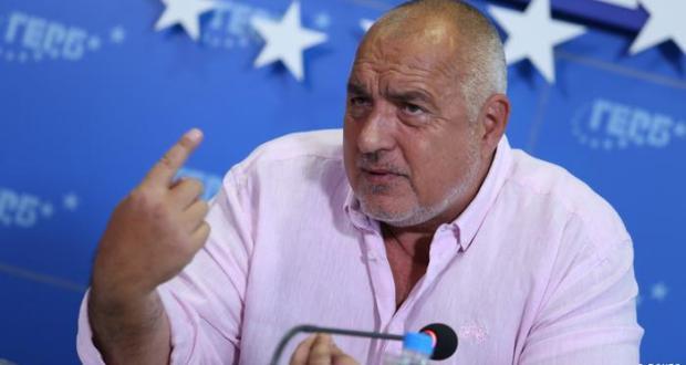 Борисов: Вдигат пенсиите за да спечели Радев втори мандат