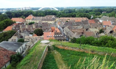 The view onto the oldest part of Novi Sad as well as parts of the fortress walls