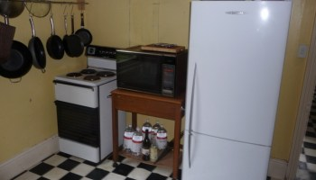 Removing the fireplace and fuel stove resulted in a lot more space in the kitchen