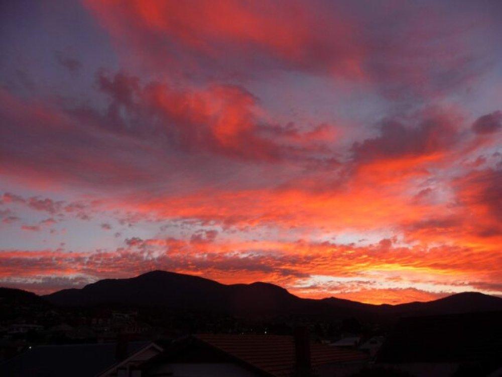 Sunset over kunanyi - Mount Wellington, 20 March 2014