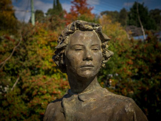 Brydie, descendant of Martha Gregory. sculpted by Rowan Gillespie