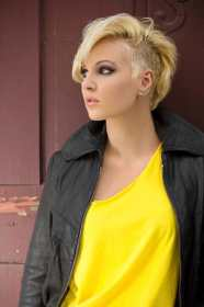 hairstyles mohawk 80s hair side short shaved sides party trends haircuts female womens styles undercut summer fashionable haute turning head