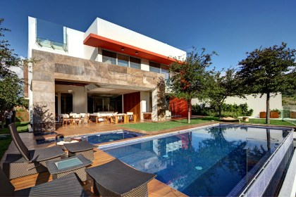 elenes casa arquitectos mexico homedezen zapopan storey residence located contemporary designed