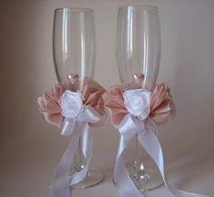 d29ef5a284fe89a4f693469cf29861b5 wedding glasses flute champagne