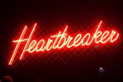 aesthetic grunge sign dark heartbreaker heart collage wall google grudge retro colors themes melbourne result visit