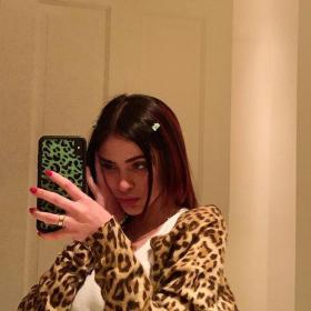 aesthetic mirror bw insta pretty poses inspo pic selfies beauty leopard clothes hair stores edit september uploaded