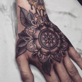 hand tattoos mandala tattoo alex cool designs flower arms tattooed lincoln blackwork lotus handtattoos guys skull mens tattos tats female