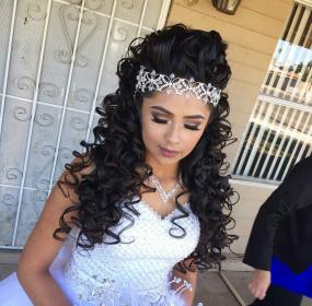 hairstyles quince quinceanera hair anos curly para quinceaneras makeup peinados cute tiara fancy hairstyle elegant princess birthday styles maquillaje dress