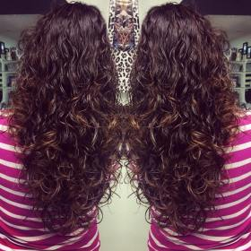 long curly layered hair curls hairstyle hairstyles haircuts source