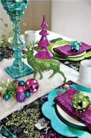Colorful Christmas Table Decor Ideas, 25 Bright Holiday