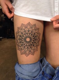 These 45 Thigh Tattoos For Women Might Just Be The Best