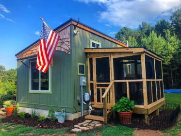 cottage tiny foundation porch bedroom outdoor screened shower cottages evergreen floor cabins tinyhousetalk homes main loft picsbrowse