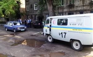 В Днепродзержинске вооруженный боец Правого Сектора захватил заложницу