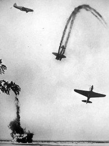 советские самолеты в бою