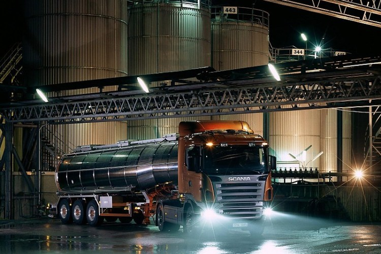 scania-r420-trucks-wallpaper-37962