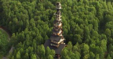 На Аляске появился 60-метровый деревянный дом
