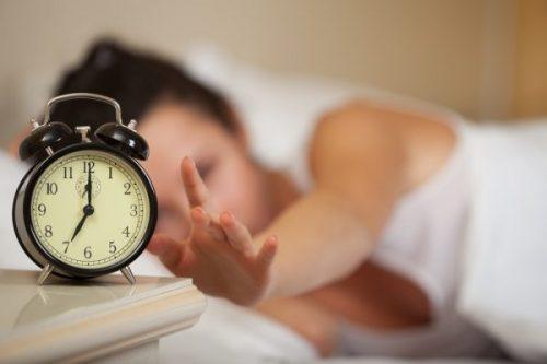 «Лайфхак» для быстрого пробуждения: утренняя бодрость без кофе и чая