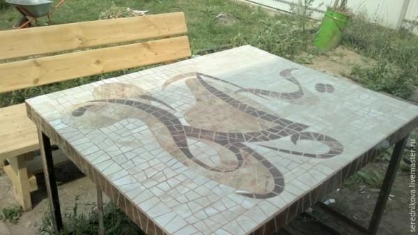 Стол для веранды