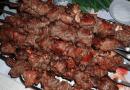 Сезон пикников на носу: шашлык из баранины с коньяком