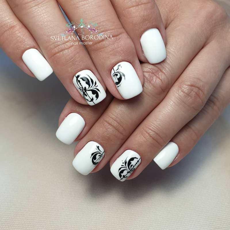 белые короткие ногти 2019_22
