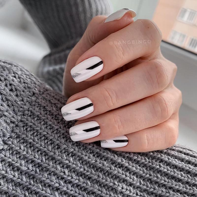 белые короткие ногти 2019_27