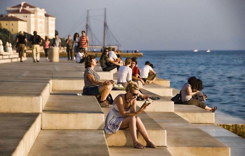 В Хорватии построили 80-метровый орган, на котором играют море и ветер. Только послушайте!