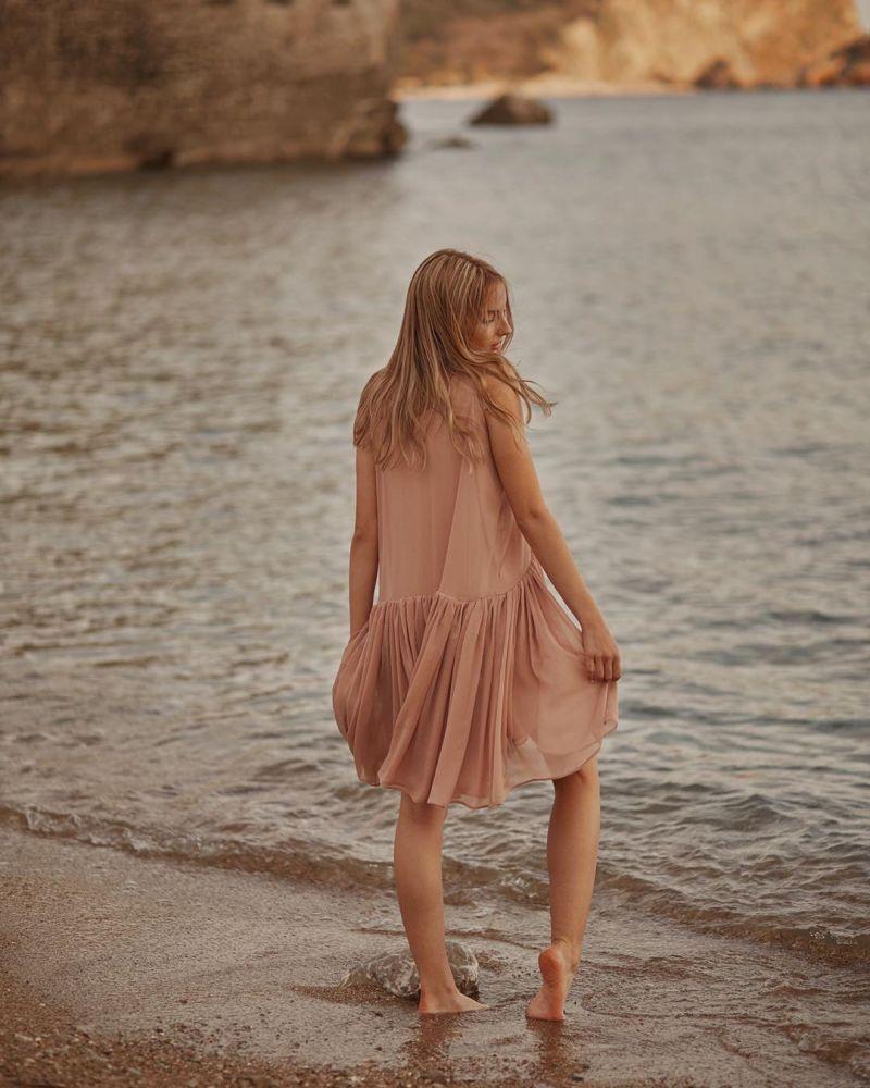 Пудровое платье фото 5
