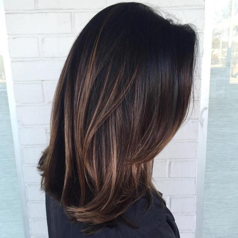 Стрижки средней длины: 10 лучших идей причёсок