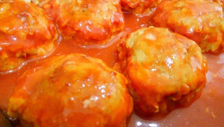 Тефтели с рисом в томатном соусе