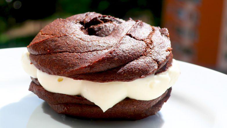 Пирожное «Шоколадные бомбочки»
