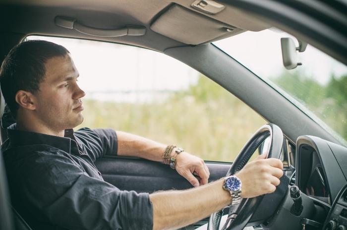 Переживаешь что за рулем мудак? Посмотри на руки шофера и узнай о нем все