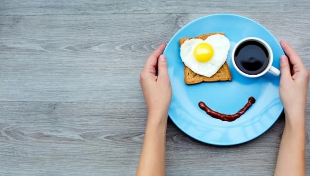 20150803182047-cute-breakfast-smile-happiness