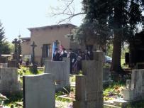 Příchod na hřbitov