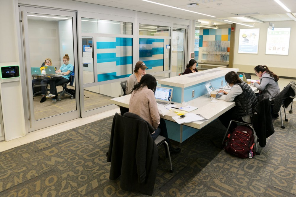 Ui Celebrates Main Library Learning Commons With Grand