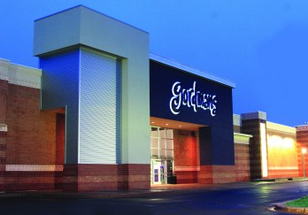 Gordmans is based out of Omaha, NE, and offers discount prices on fashion and home decor.