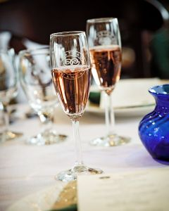 sparkling-wine-at-the-chateau-chantal-winery-and